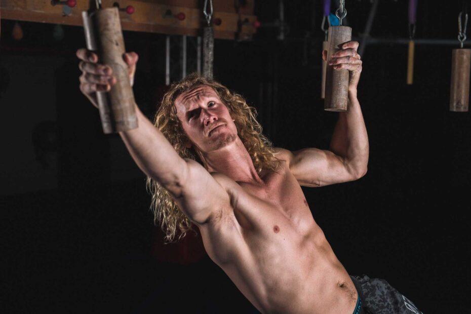 grand final stage 1 competitor - Zak Stolz - australian ninja warrior - 2021